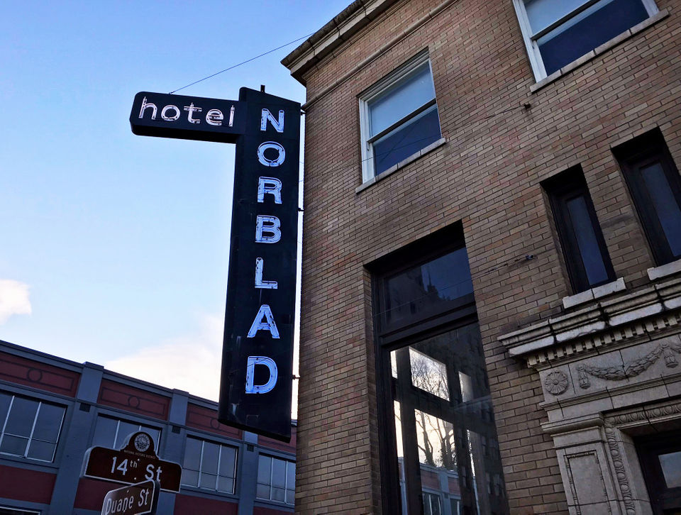 Norblad Hotel opts for minimalist, affordable rooms on the Oregon coast